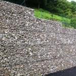 Mur poids à Poligny